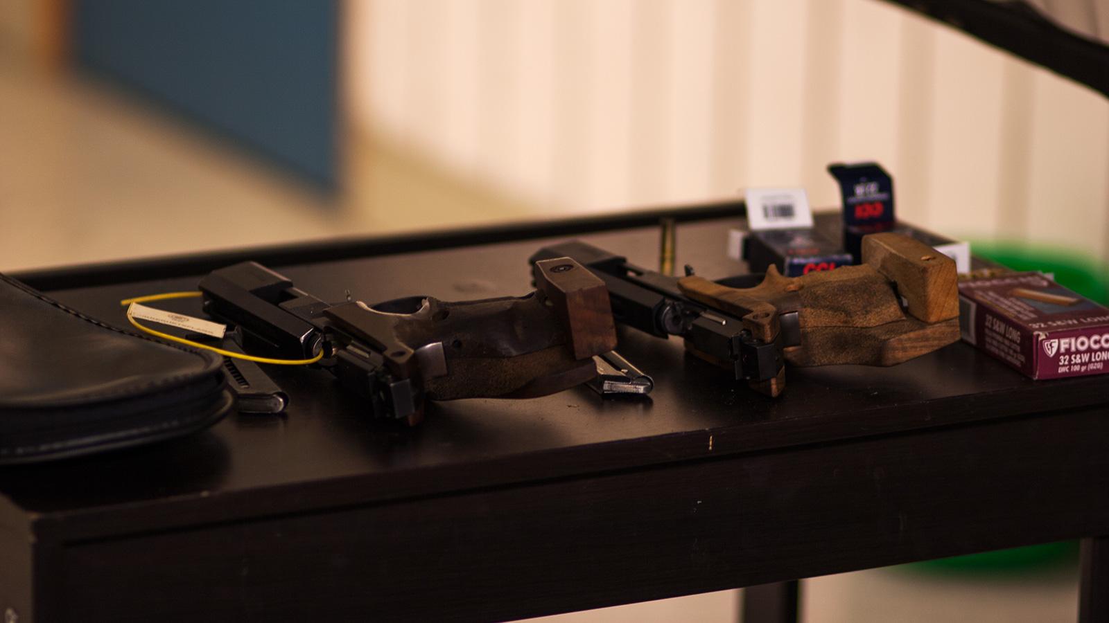 Kom i gang med pistolskyting